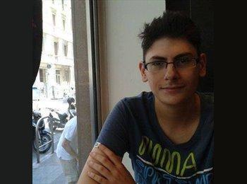 Alessandro - 19 - Studente