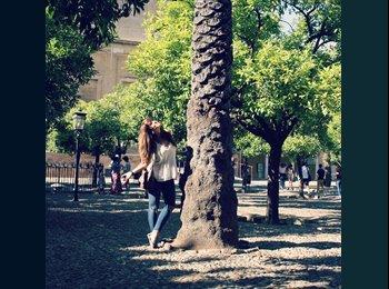 Adelaida - 24 - Studente