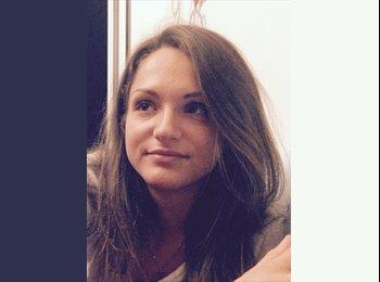 Alessandra - 21 - Studente