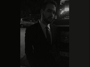 EasyStanza IT - Andrea - 23 - Roma