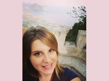 EasyStanza IT - Alessandra - 22 - Pisa