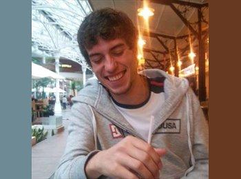 Luis Henrique Gallina - 21 - Studente