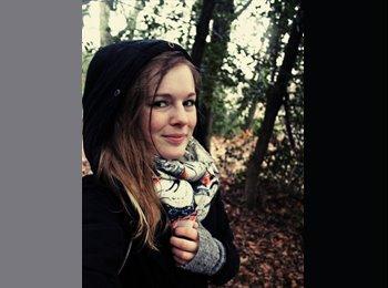 Julia - 23 - Studente