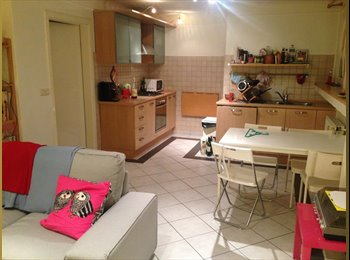 Recherche 1 coloc à Belair / Looking for a roommate in...