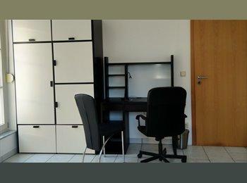 25 Minutes du Centre-ville, Steinfort Rooms & Services