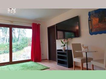 Appartager LU - Appartement  de luxe avec 1 Chambre et un salon avec vue imprenable sur piscine/jardin, Luxembourg Ville - 1550 € / Mois
