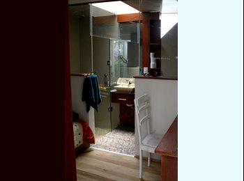 Amplios cuartos en una residencia solo  para estud