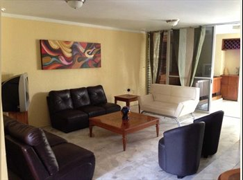 Renta de habitacion con bano 3800, servicios incl
