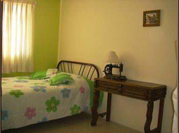 CompartoDepa MX - Ofrezco habitación amueblada en renta - Xalapa, Xalapa - MX$2,500 por mes