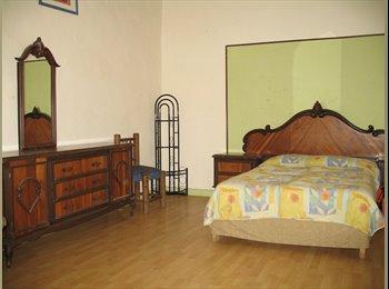 CompartoDepa MX - Amplia habitación con Baño en CENTRO HISTORICO, Puebla - MX$4,500 por mes