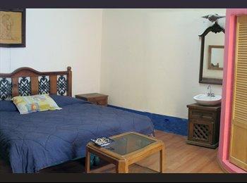 CompartoDepa MX - Amplia Habitación tipo LOFT con baño privado, Puebla - MX$4,500 por mes