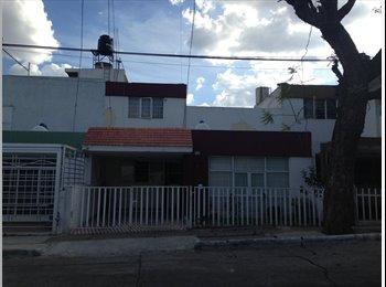 CompartoDepa MX - RENTA DE CUARTOS AMUEBLADOS JARDINES ALCALDE =) - Guadalajara, Guadalajara - MX$1,900 por mes