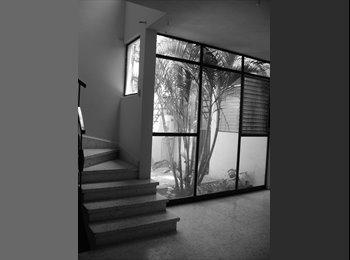 hola! comparto bonita casa en el centro de Morelia