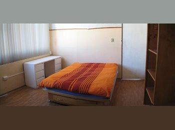CompartoDepa MX - Recamara amueblada privada cerca centro o la noria, Puebla - MX$2,500 por mes
