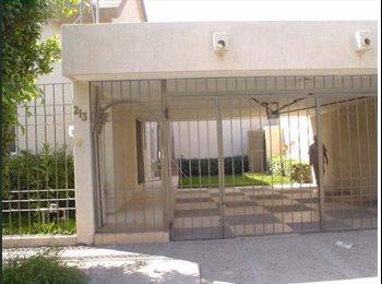 CompartoDepa MX - RENTO RECAMARA AMUEBLADA MUY AGRADABLE, Torreón - MX$3,000 por mes