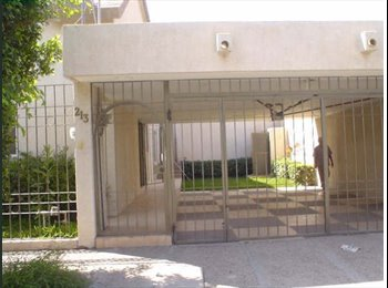 CompartoDepa MX - RENTO RECAMARA AMUEBLADA MUY AGRADABLE - Torreón, Torreón - MX$3,000 por mes