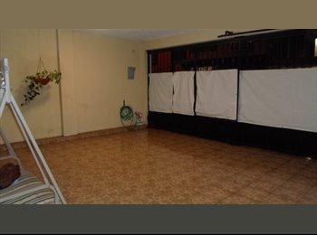 Comparto casa Balcones de Anahuac 2600