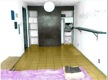 CompartoDepa MX - Rento  habitación por estación Santa Filomena, Guadalajara - MX$1,600 por mes