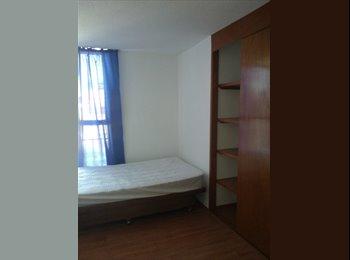Habitación disponible hombre o mujer