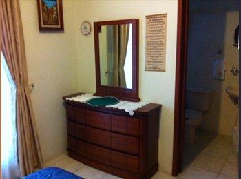 Zapopan norte. Renta recamara dama baño privado y balcon