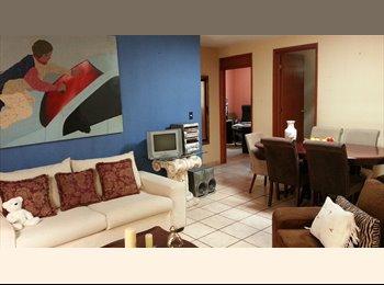 Rento habitacion con baño