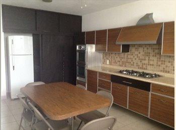 CompartoDepa MX - Renta  Habitaciones Amuebladas en Andrade - León, León - MX$1,800 por mes