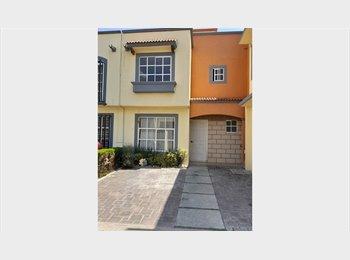 Casa amueblada solo 3 roomies, en Fracc Rinconada San...