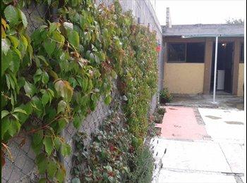 CompartoDepa MX - RENTO CUARTO ECONOMICO, - Toluca, México - MX$1,400 por mes
