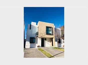 CompartoDepa MX -  Hermosa Casa Nueva con Alberca cerca  de Anahuac - Delegación Santa Rosa Jáuregui, Querétaro - MX$3,000 por mes