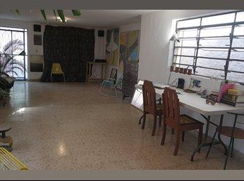 HABITACIÓN AMUEBLADA Calle 39 x 84 y 82A Centro