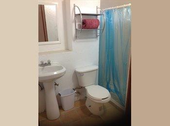Cuarto con baño individual en renta