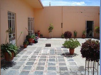 CompartoDepa MX - RENTO HABITACIÓN  AMUEBLADA CONFORTABLE, SOLO  PARA MUJER ESTUDIANTES - Centro Histórico, Puebla - MX$1,900 por mes