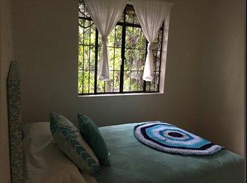 CompartoDepa MX - Rento cuarto en elegante casa en colonia americana - Guadalajara, Guadalajara - MX$5,000 por mes