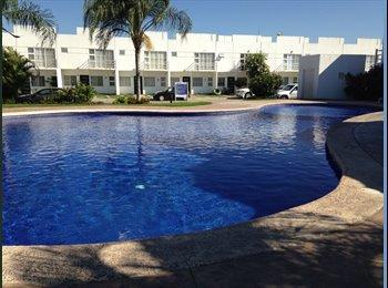 CompartoDepa MX - CASA EN COTO PRIVADO CON ALBERCA CERCA PLAYAS - Puerto Vallarta, Puerto Vallarta - MX$15,000 por mes