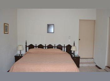 CompartoDepa MX - Rento habitación para caballero profesionista - Cumbres, Monterrey - MX$3,000 por mes