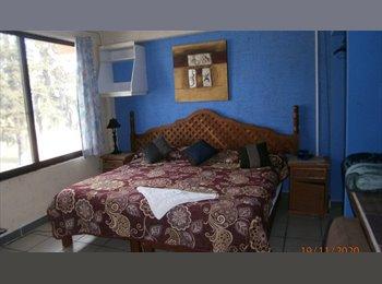 Habitacion amueblada cama matrimomial