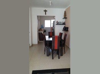 CompartoDepa MX - CUARTO DISPONIBLE PLAYA DEL CARMEN - Playa del Carmen, Cancún - MX$2,500 por mes
