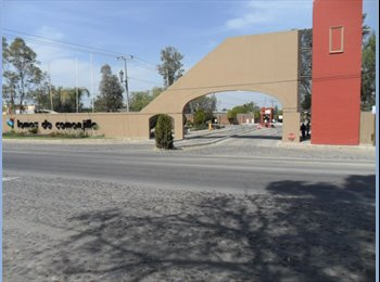 CompartoDepa MX - loft independiente amueblado ejecutivos puerto interior silao a solo 5 kms residencial, León - MX$3,000 por mes