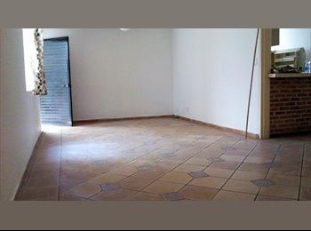 CompartoDepa MX - Espaciosa habitacion para pareja, con todos los servicios incluidos, - Zapopan, Guadalajara - MX$4,500 por mes