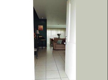 CompartoDepa MX - Busco Roomie - Linda Casa, excelente ubicación. - Zapopan, Guadalajara - MX$5,000 por mes