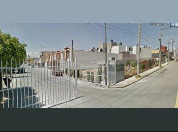 CompartoDepa MX - Casa Sola al Sur de la ciudad, caseta de vigilancia, jardin amplio  - Otras, Puebla - MX$3,600 por mes