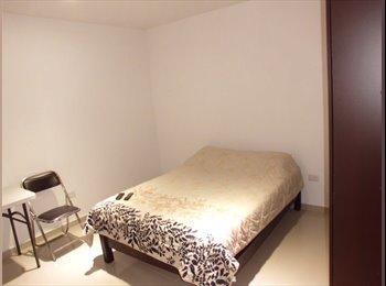 CompartoDepa MX - Habitacion amplia amueblada a tres cuadras del centro, Aguascalientes - MX$2,400 por mes