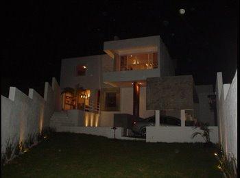 CompartoDepa MX - Rento cuarto excelente ubicacion., Querétaro - MX$3,500 por mes