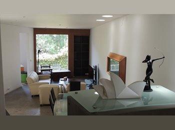 Cuarto en residencia para mujeres en Santa Fe CDMX.
