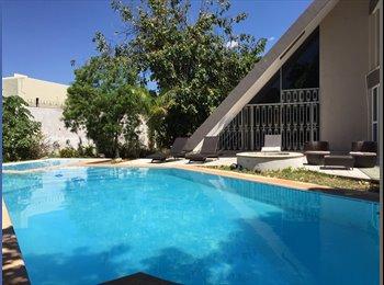 CompartoDepa MX - Lujosa Casa compartida con Piscina ! Cuarto en Renta Zona norte, Merida - MX$3,800 por mes