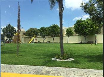 CompartoDepa MX - Casa de 3 cuartos y 2.5 baños en fraccionamiento cerrado y vigilado con áreas verdes y juegos infant, Heroica Puebla de Zaragoza - MX$9,600 por mes