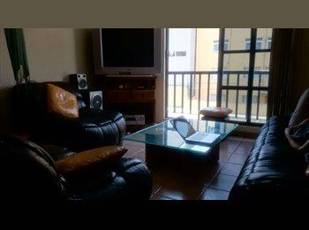 Habitación para mujer en departamento amueblado