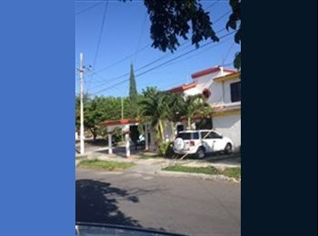 CompartoDepa MX - Habitación en casa súper ubicada para una Mujer, Cancún - MX$3,500 por mes