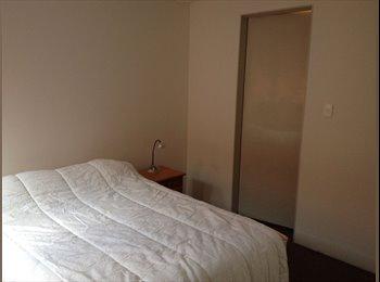 Rento bonita habitación