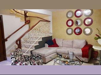 Rento cuartos en casa amueblada